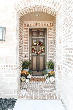 40 Fall Front Porch & Wreath Decorating Ideas - Southern Hospitality