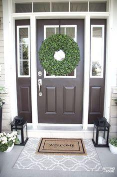 Easy affordable front porch decor ideas. Layer your front door rugs! #ad #KohlsHomeSale #KohlsFinds #bedding #rug #decor #refresh #decorideas